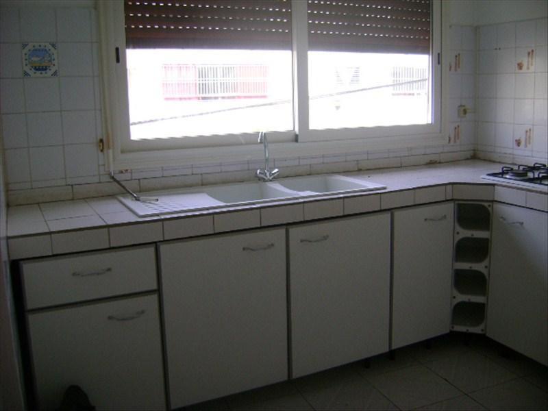 Rental apartment Ste rose 550€ CC - Picture 2