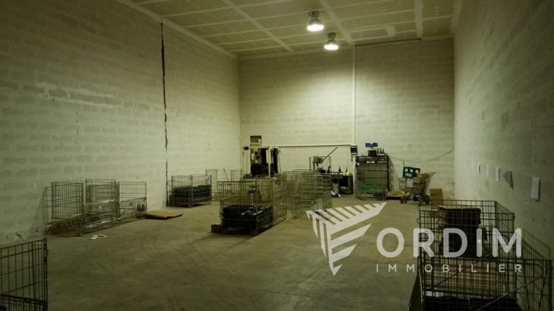 Location local commercial Arcy sur cure 36000€ HC - Photo 5