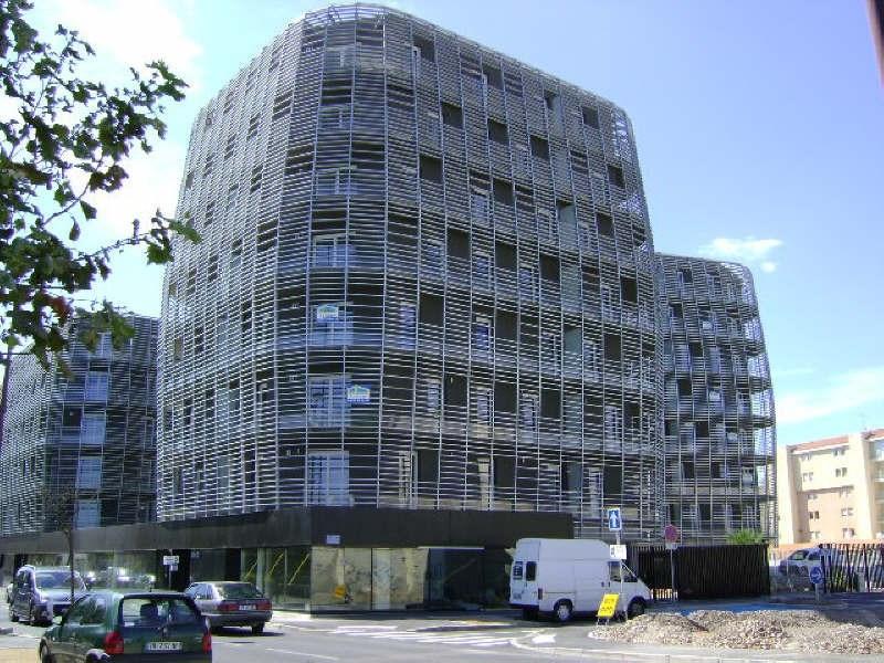 Location appartement Sete 609€ CC - Photo 1