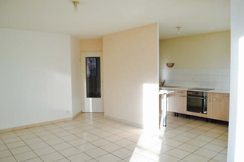 Location appartement Chambery 687€ CC - Photo 2