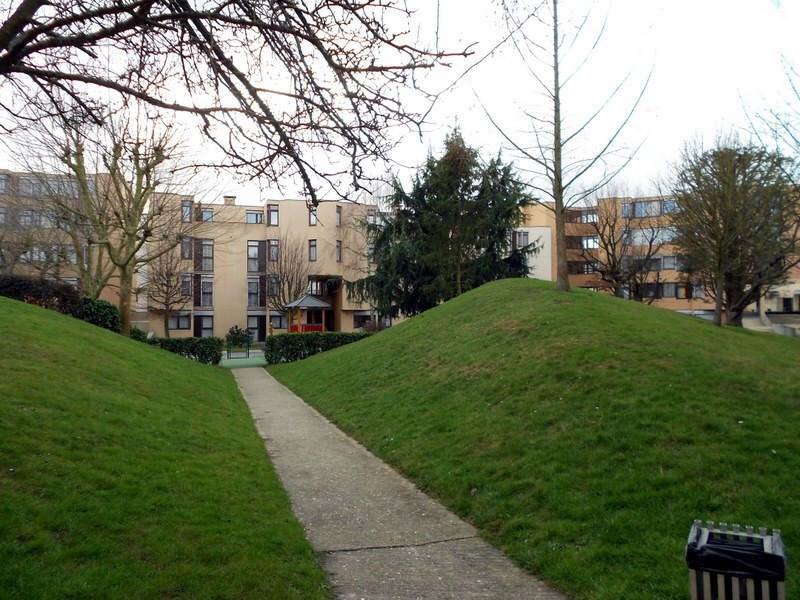 Locação apartamento Guyancourt 810€ CC - Fotografia 1