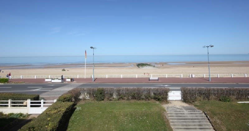 Deluxe sale apartment Villers sur mer 395 000€ - Picture 10