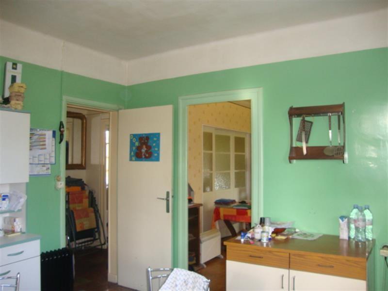 Sale house / villa Saint-jean-d'angély 64500€ - Picture 7