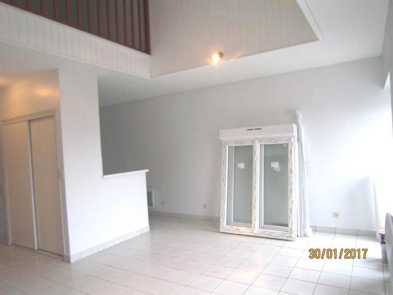 Rental apartment Châteaubernard 342€ CC - Picture 5