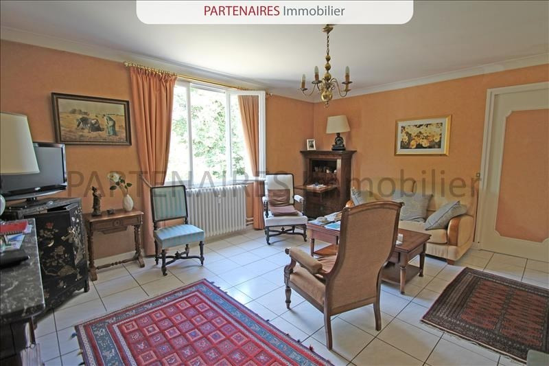 Sale apartment Le chesnay 250000€ - Picture 1