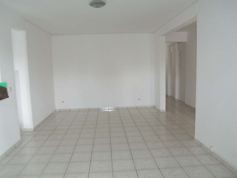 Location maison / villa St francois 750€ CC - Photo 5