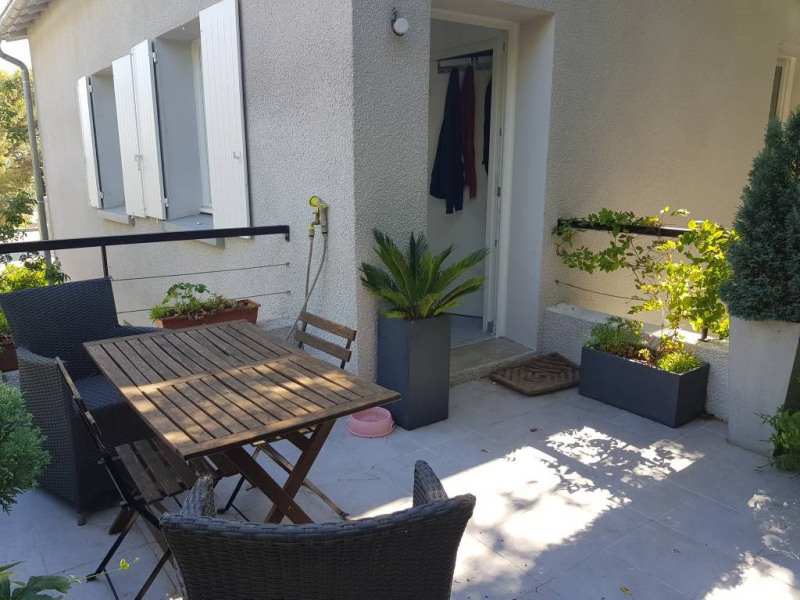 Alquiler  apartamento Villeneuve-les-avignon 695€ CC - Fotografía 3