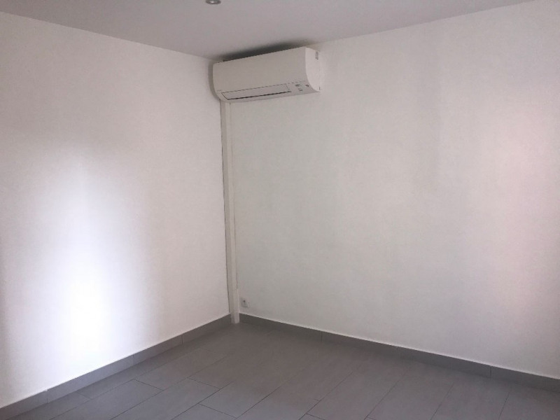 Alquiler  apartamento Le muy 595€ CC - Fotografía 2
