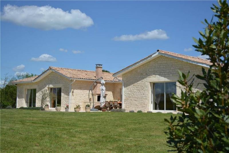 Rental house / villa Saint-andre-de-cubzac 1950€ CC - Picture 1