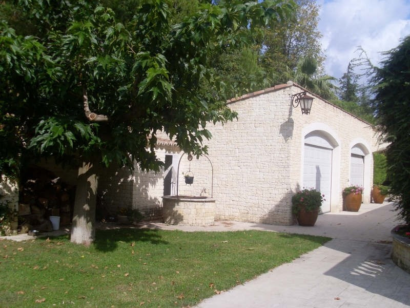 Deluxe sale house / villa Eyguieres 599000€ - Picture 2