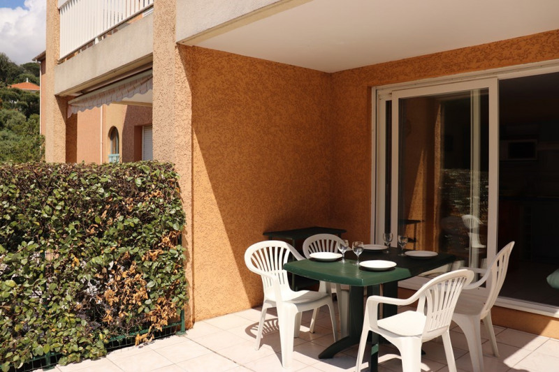 Vacation rental apartment Cavalaire sur mer 600€ - Picture 2