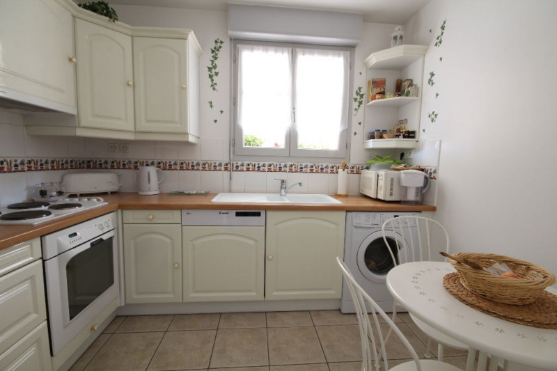 Sale apartment Chambourcy 446000€ - Picture 8