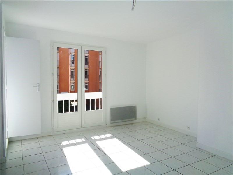 Location appartement Toulon 586€ CC - Photo 2
