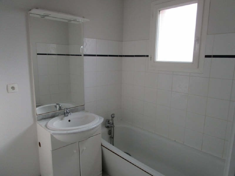 Sale apartment St savin 64 500€ - Picture 5