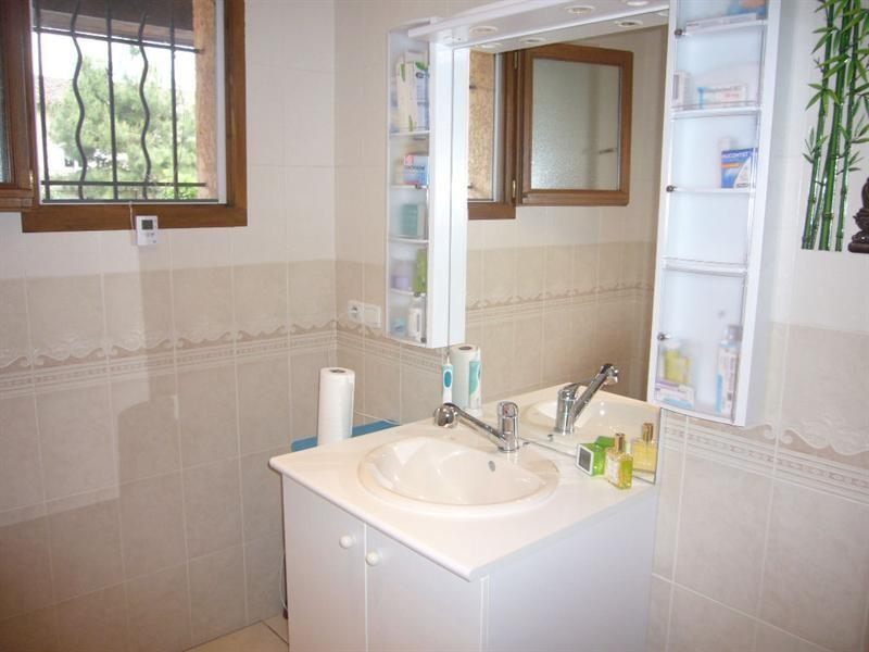 Sale house / villa L isle d abeau 239000€ - Picture 6