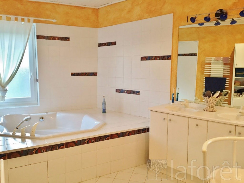 Sale house / villa Bourgoin jallieu 475000€ - Picture 9