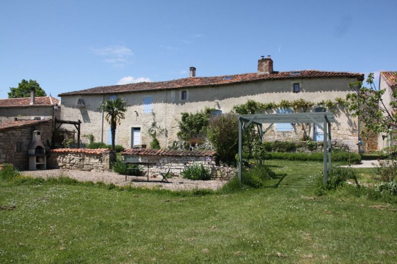 Sale house / villa Courcome 190 800€ - Picture 1