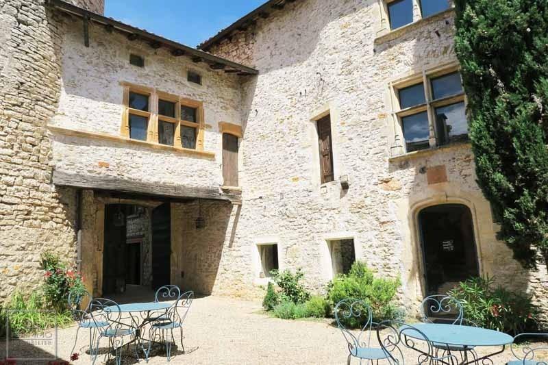Deluxe sale chateau Chazay d'azergues 2496000€ - Picture 3