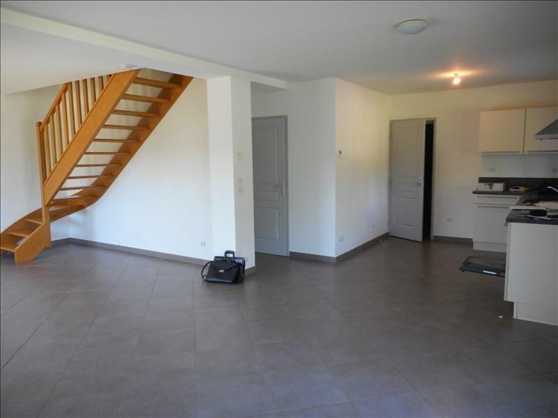 Rental house / villa St geoire en valdaine 851€ CC - Picture 4