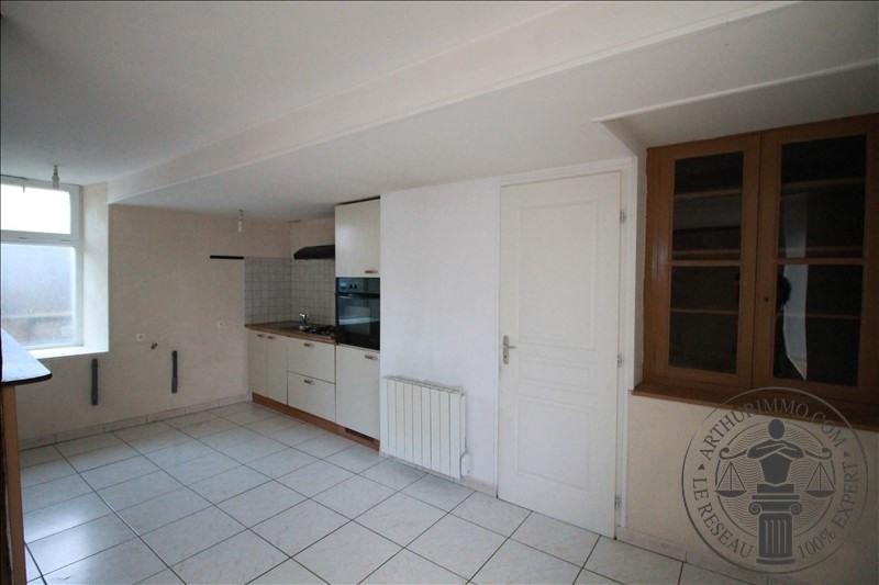 Sale house / villa Voves 99900€ - Picture 2