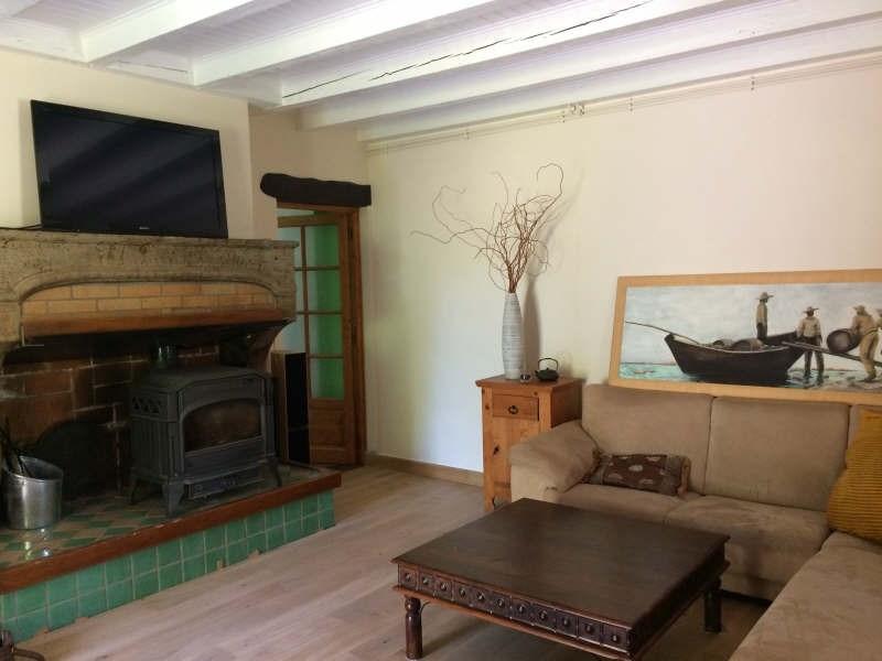 Sale house / villa Cour et buis 320000€ - Picture 3