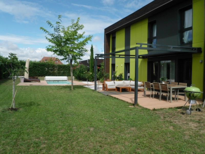 Sale house / villa Pusignan 375000€ - Picture 1