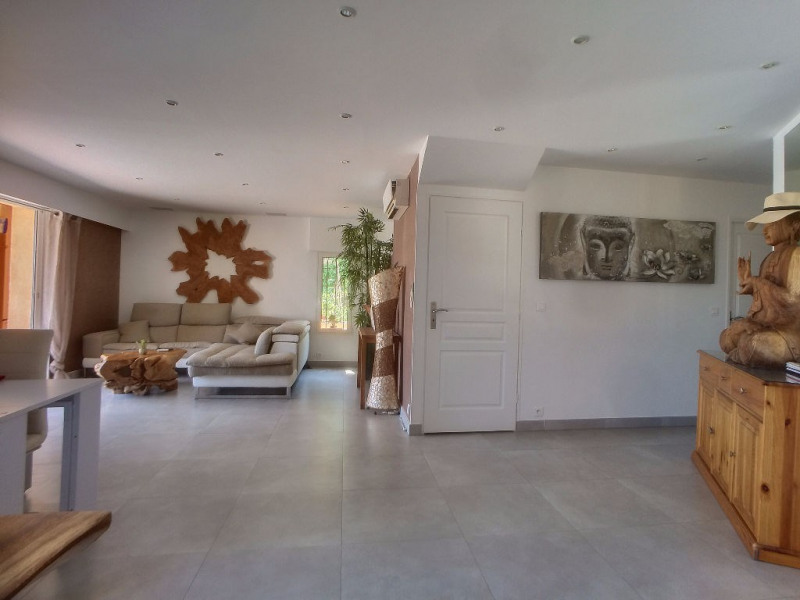 Deluxe sale house / villa Saint laurent du var 698 000€ - Picture 2