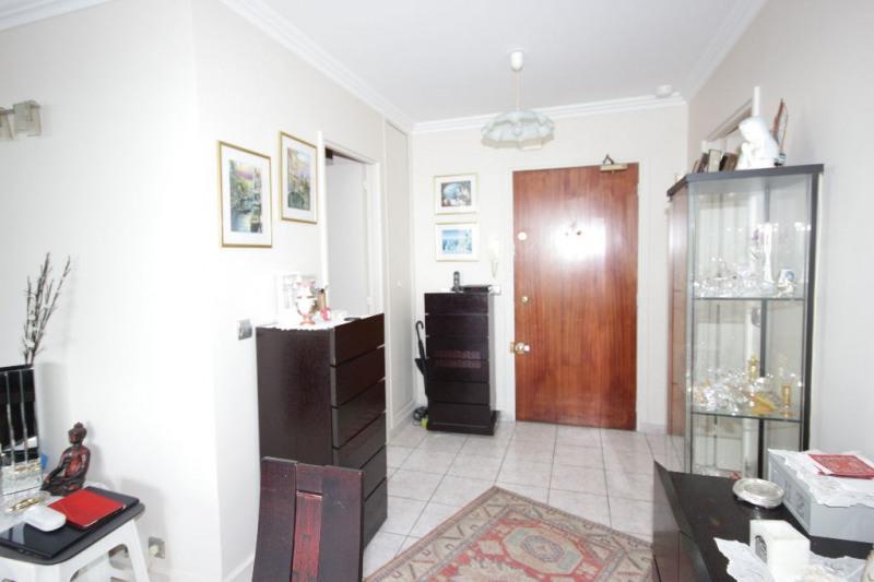 Sale apartment Courbevoie 884000€ - Picture 10