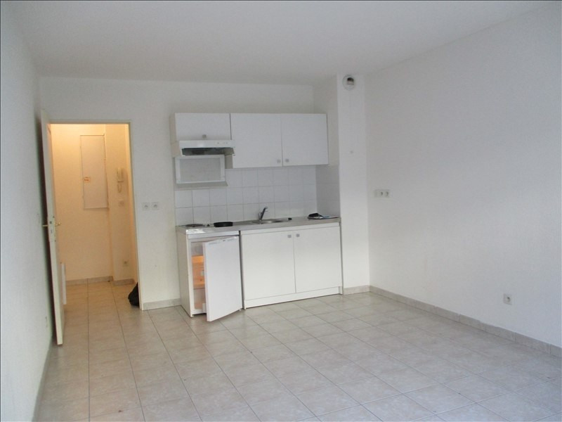 Location appartement Salon de provence 508€ CC - Photo 3