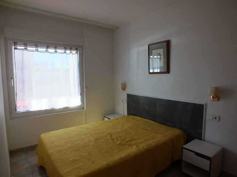 Location vacances appartement Roses santa-margarita 360€ - Photo 10