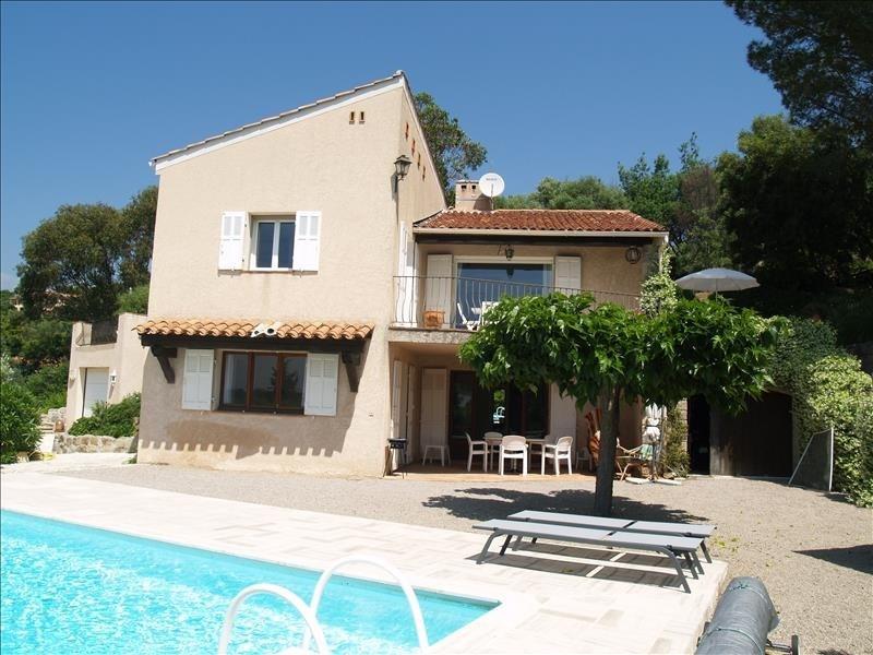 Deluxe sale house / villa Les issambres 750000€ - Picture 1