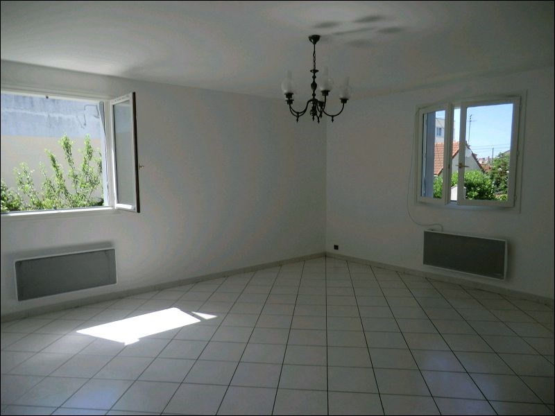 Rental house / villa Athis mons 1 218€ CC - Picture 3