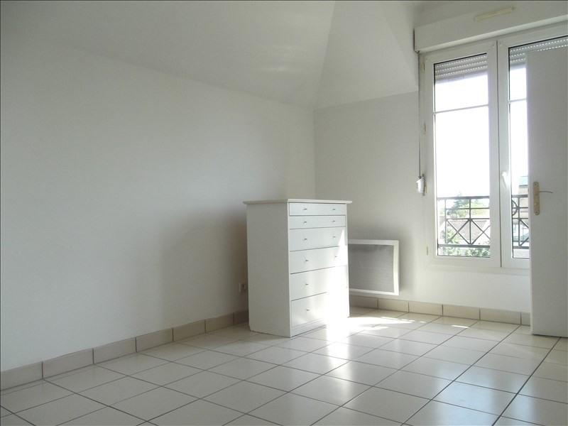 Rental apartment Voisins le bretonneux 1592€ CC - Picture 6