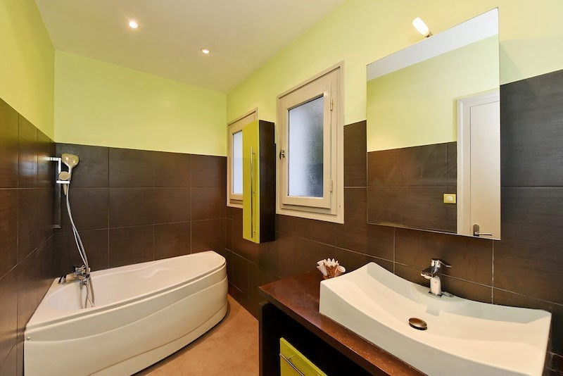Deluxe sale house / villa Charbonnieres les bains 869000€ - Picture 5
