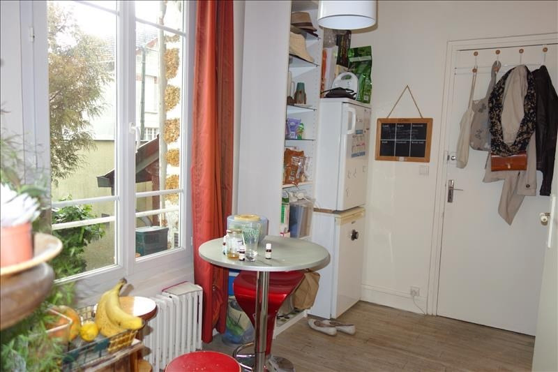 Location appartement Versailles 845€ CC - Photo 3