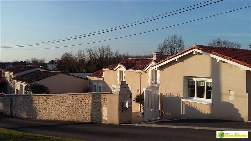 Sale house / villa Chateauneuf sur charente 225000€ - Picture 1