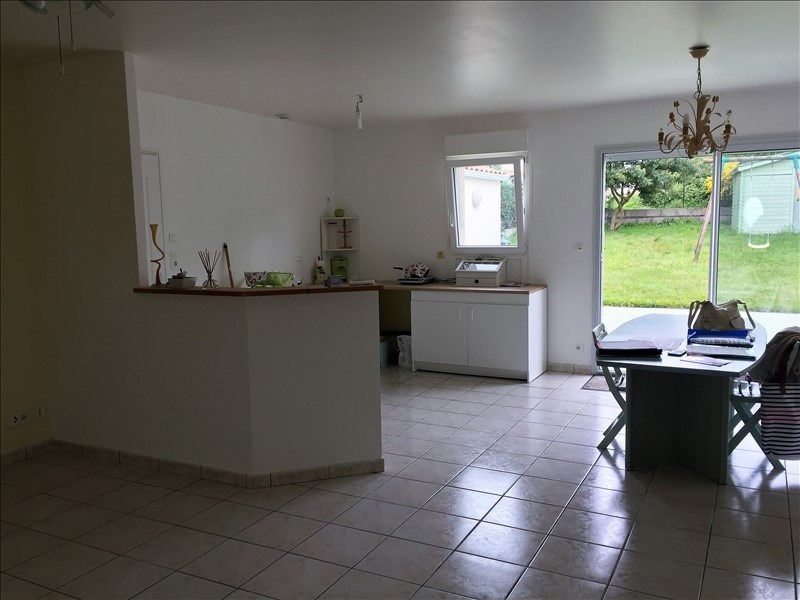 Sale house / villa Avrille 176 800€ - Picture 2