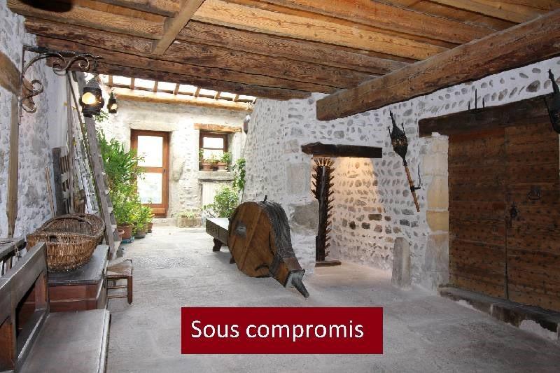 Deluxe sale house / villa Vourles 585000€ - Picture 1