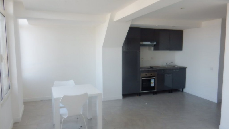 Location appartement Nice 770€ CC - Photo 2