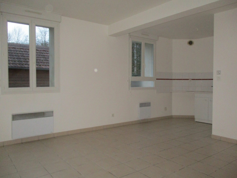Rental apartment Vic sur aisne 535€ CC - Picture 2