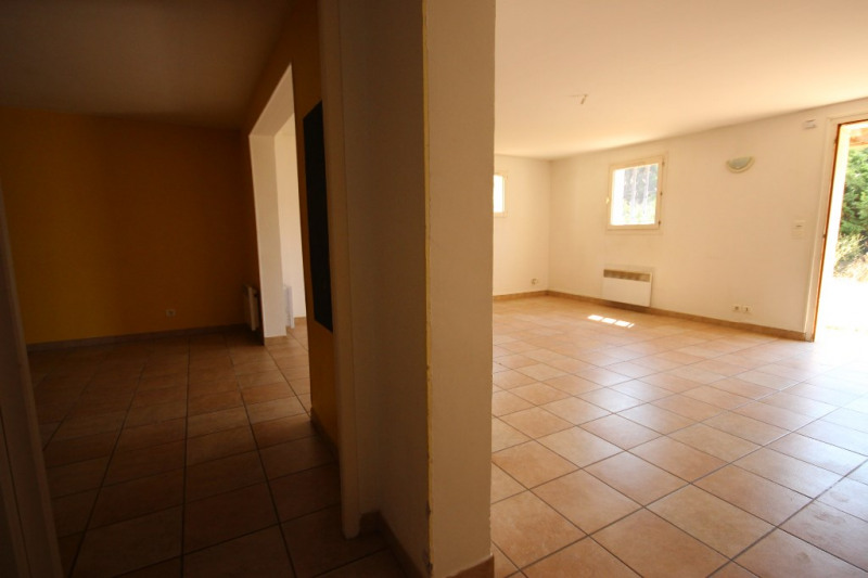 Rental house / villa Lambesc 800€ CC - Picture 7