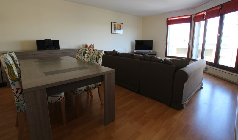 Location appartement Courbevoie 2 000€ CC - Photo 2