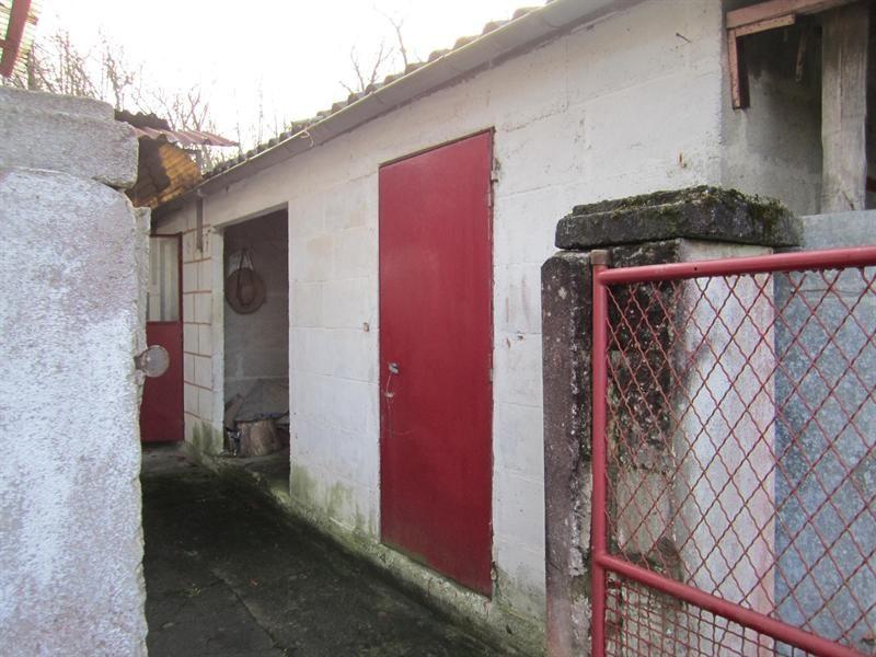 Sale house / villa Brossac 64000€ - Picture 8
