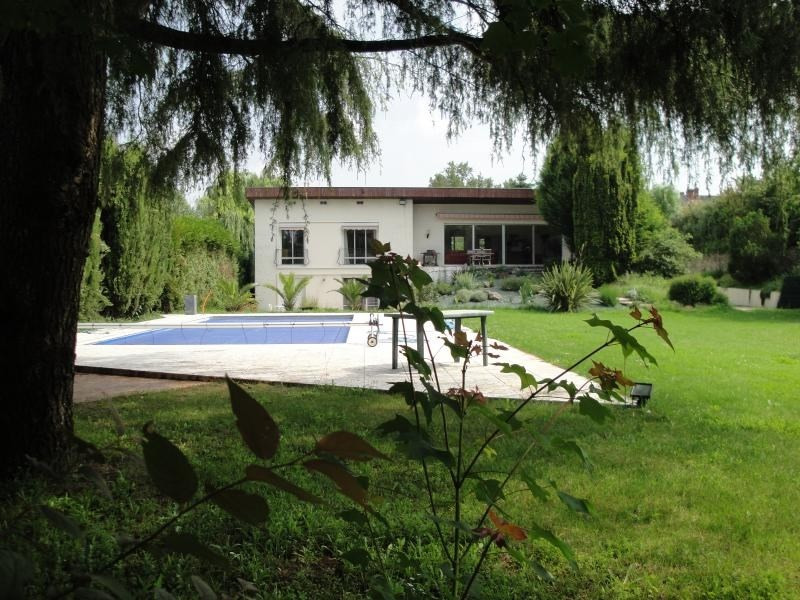 Deluxe sale house / villa Niort 519 000€ - Picture 1