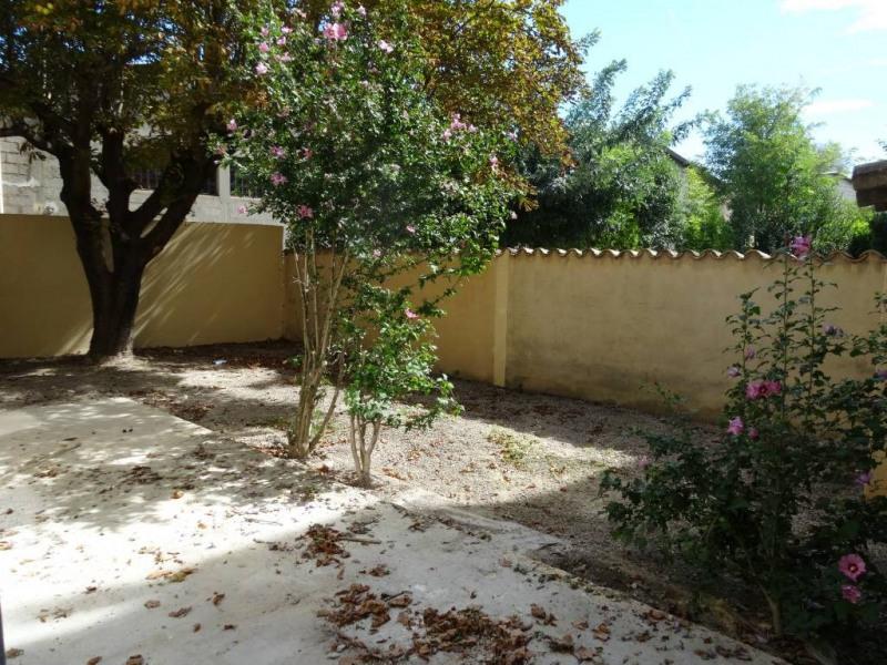 Location maison / villa Avignon 1020€ CC - Photo 6
