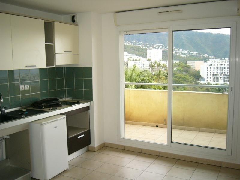 Rental apartment St denis 323€ CC - Picture 2