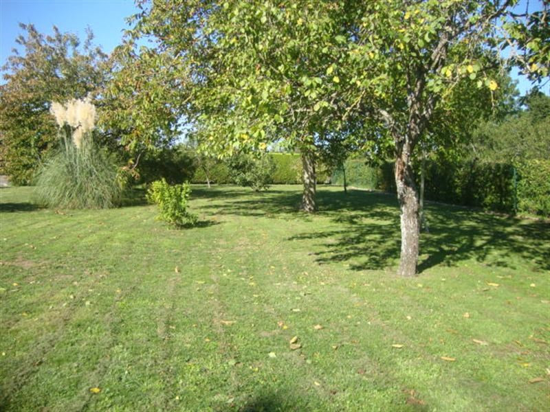 Sale site Villeneuve-la-comtesse 27 250€ - Picture 3