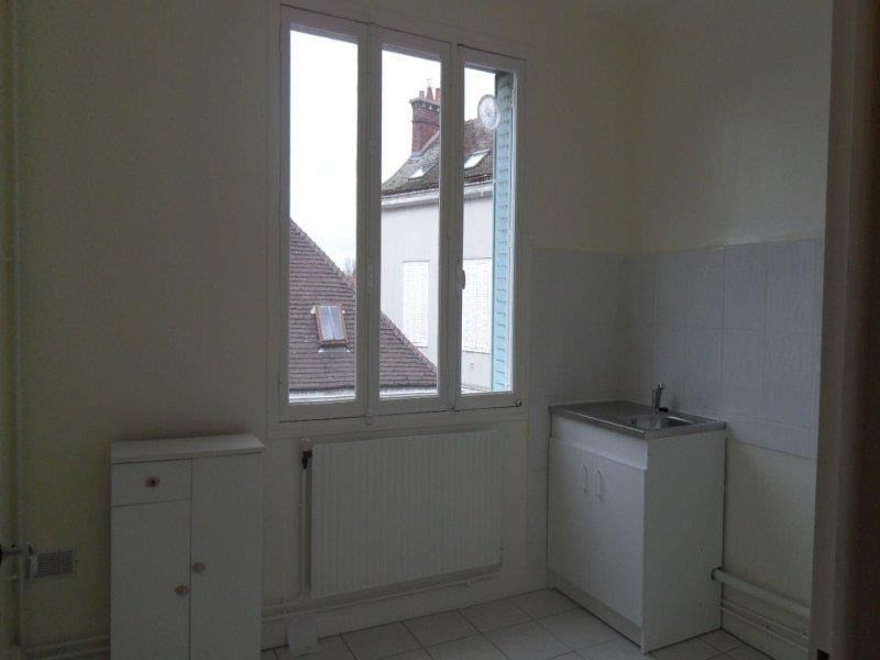 Rental apartment Troyes 582€ CC - Picture 3