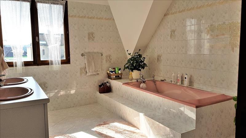 Sale house / villa Ormesson sur marne 449000€ - Picture 6
