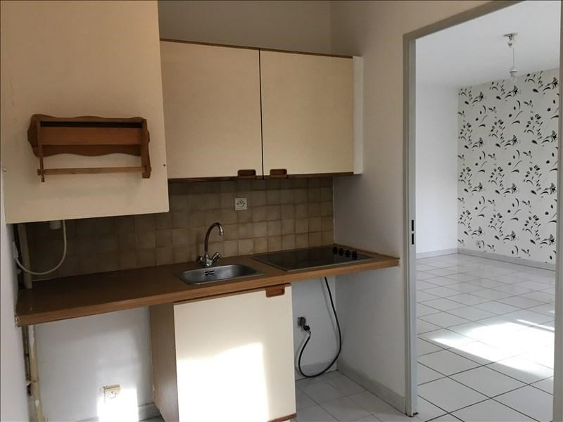 Rental apartment Aix en provence 780€ CC - Picture 4